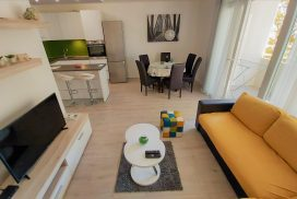 Apartment Punta Omis
